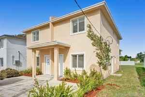 525 000$ - Miami-Dade County,Miami; 2428 sq. ft.