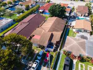 630 000$ - Miami-Dade County,Miami; 3210 sq. ft.