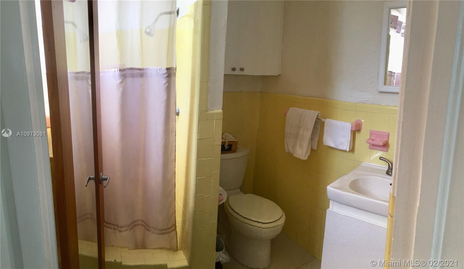 /  1672 sq. ft. $ 2020-12-21 0 Photo