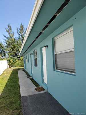 750 000$ - Miami-Dade County,North Miami Beach; 0 sq. ft.