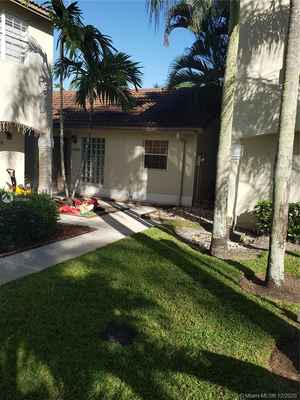 274 900$ - Broward County,Pembroke Pines; 1813 sq. ft.