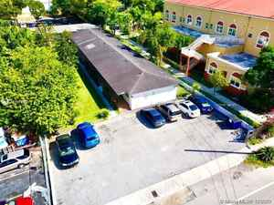 1 500 000$ - Miami-Dade County,Miami; 5037 sq. ft.