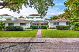 899 000$ - Miami-Dade County,Coral Gables; 3124 sq. ft.