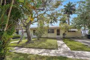 387 500$ - Miami-Dade County,North Miami; 2547 sq. ft.