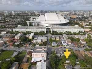 349 900$ - Miami-Dade County,Miami; 5000 sq. ft.