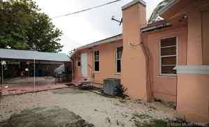 370 000$ - Miami-Dade County,Miami; 1759 sq. ft.