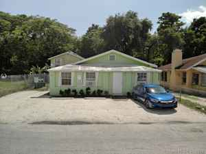 440 000$ - Miami-Dade County,Miami; 2416 sq. ft.