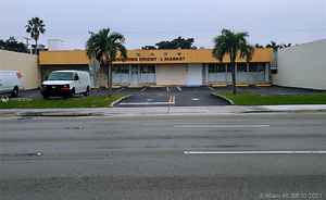 1 999 000$ - Miami-Dade County,North Miami Beach; 14000 sq. ft.
