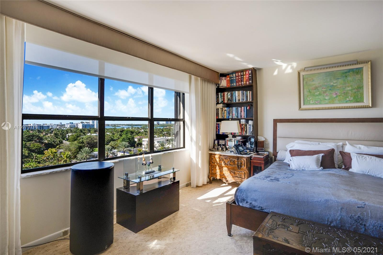 Photo of 9801 Collins Ave #10R, Bal Harbour, Florida, 33154 - Hall to the rooms