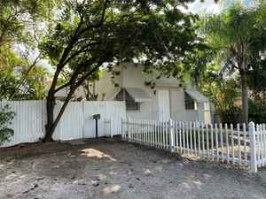 700 000$ - Broward County,Hollywood; 2573 sq. ft.
