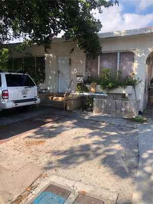 448 000$ - Miami-Dade County,Miami; 2056 sq. ft.