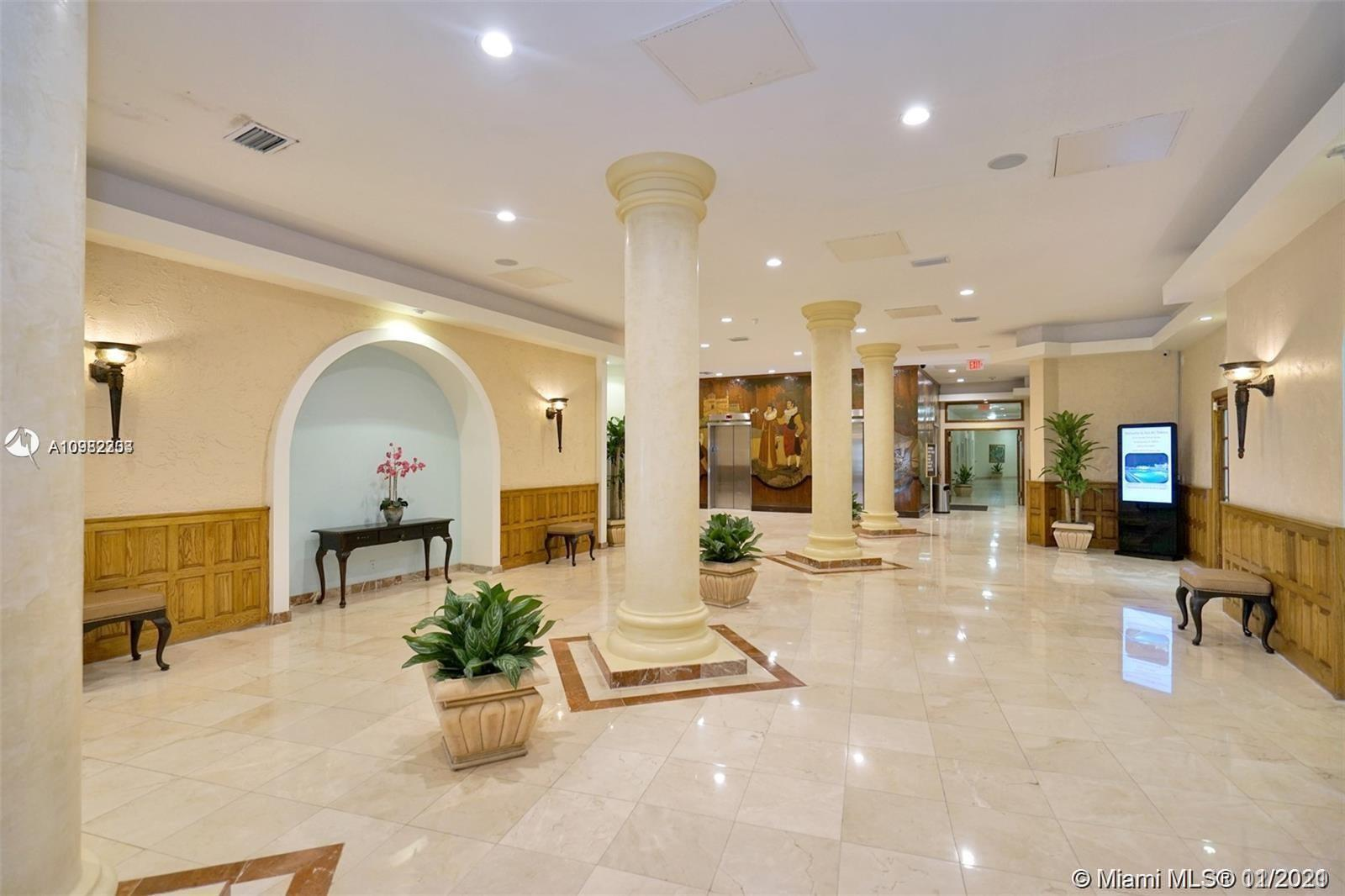 Photo of 3725 Ocean Dr #1504, Hollywood, Florida, 33019 - Heated community pool.