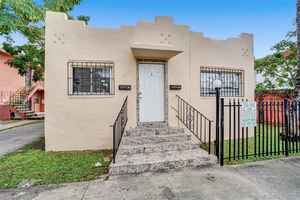420 000$ - Miami-Dade County,Miami; 1265 sq. ft.