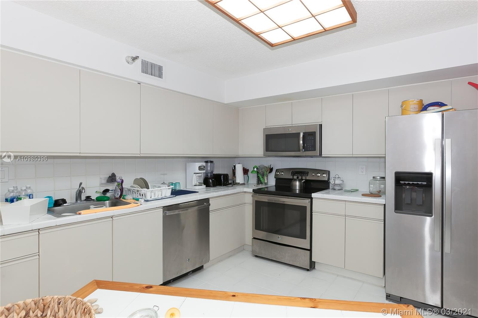 Photo of 3500 Mystic Pointe Dr #3302, Aventura, Florida, 33180 -