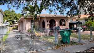568 000$ - Miami-Dade County,Miami; 3065 sq. ft.