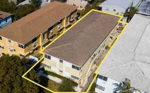 1 575 000$ - Miami-Dade County,Miami Beach; 7000 sq. ft.