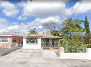 499 000$ - Miami-Dade County,Miami; 1465 sq. ft.