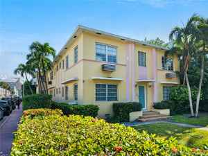 2 299 000$ - Miami-Dade County,Miami Beach; 7000 sq. ft.