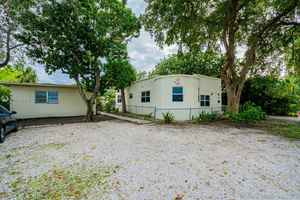 749 999$ - Broward County,Hollywood; 6446 sq. ft.