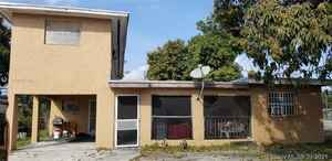 495 000$ - Miami-Dade County,Miami Gardens; 2698 sq. ft.