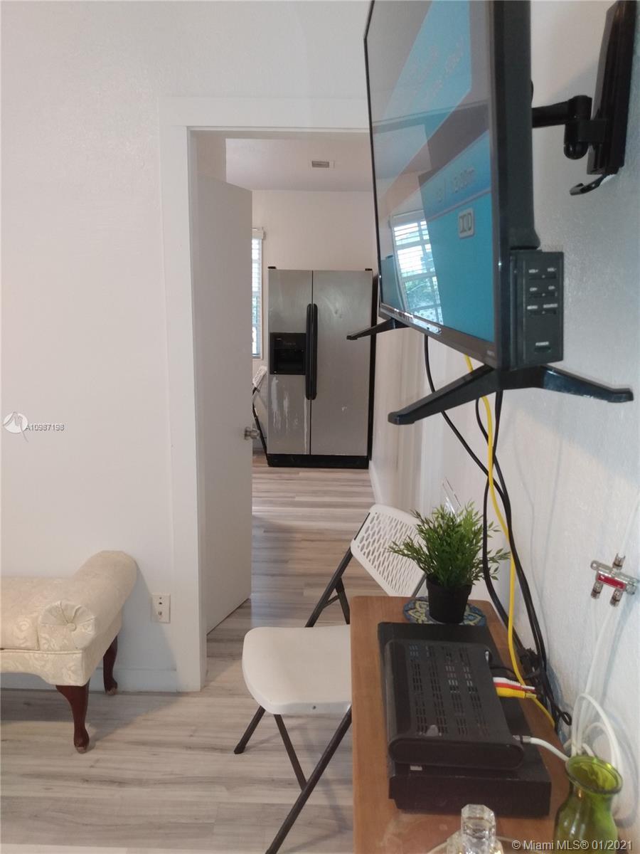 /  1454 sq. ft. $ 2021-01-21 0 Photo