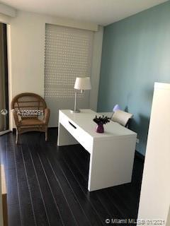 Photo of 20191 Country Club Dr #1602, Aventura, Florida, 33180 - Large Walk-In Closet