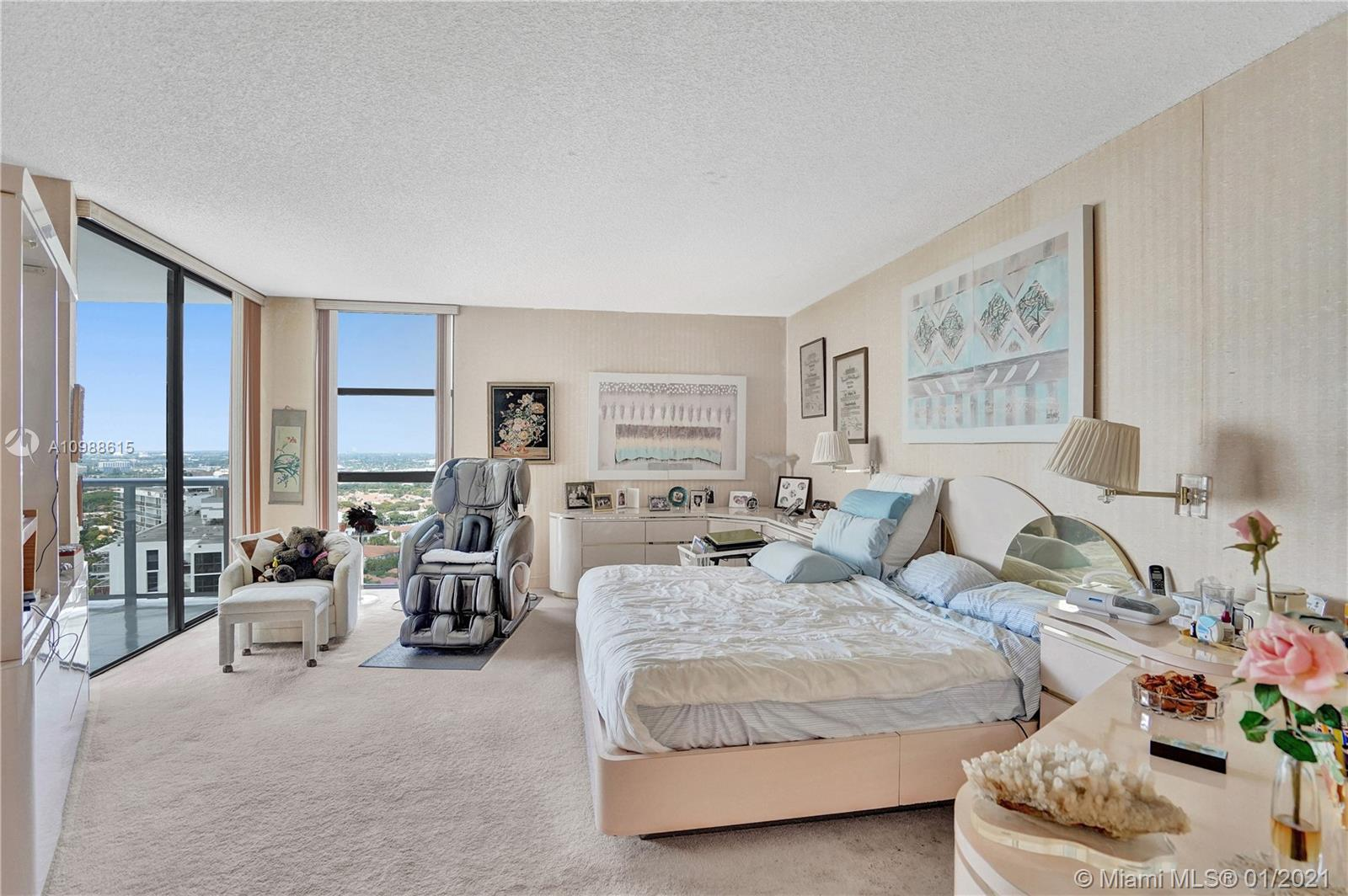 Photo of 20281 Country Club Dr #2407, Aventura, Florida, 33180 - Very spacious master bedroom with a large walk-in closet.