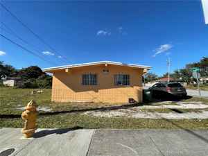 259 000$ - Miami-Dade County,Opa-Locka; 1275 sq. ft.