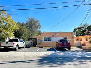 435 000$ - Miami-Dade County,Opa-Locka; 2024 sq. ft.