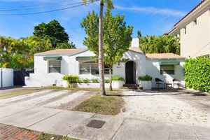 890 000$ - Miami-Dade County,Miami; 2452 sq. ft.