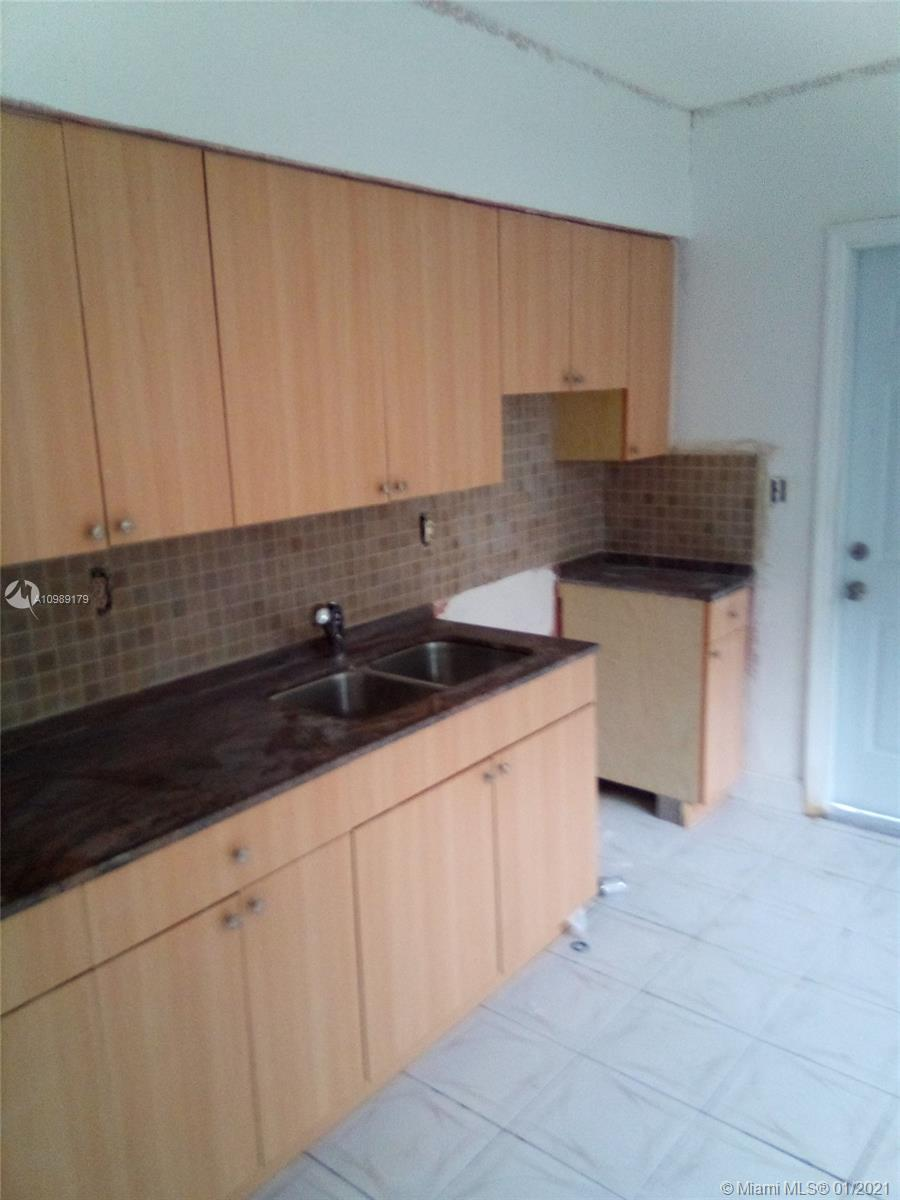/  1820 sq. ft. $ 2021-02-13 0 Photo