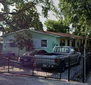 239 900$ - Miami-Dade County,Miami; 2079 sq. ft.