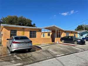 587 000$ - Miami-Dade County,Opa-Locka; 7200 sq. ft.