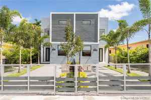 1 349 000$ - Miami-Dade County,Miami; 4476 sq. ft.