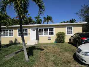 425 000$ - Miami-Dade County,Miami; 2028 sq. ft.