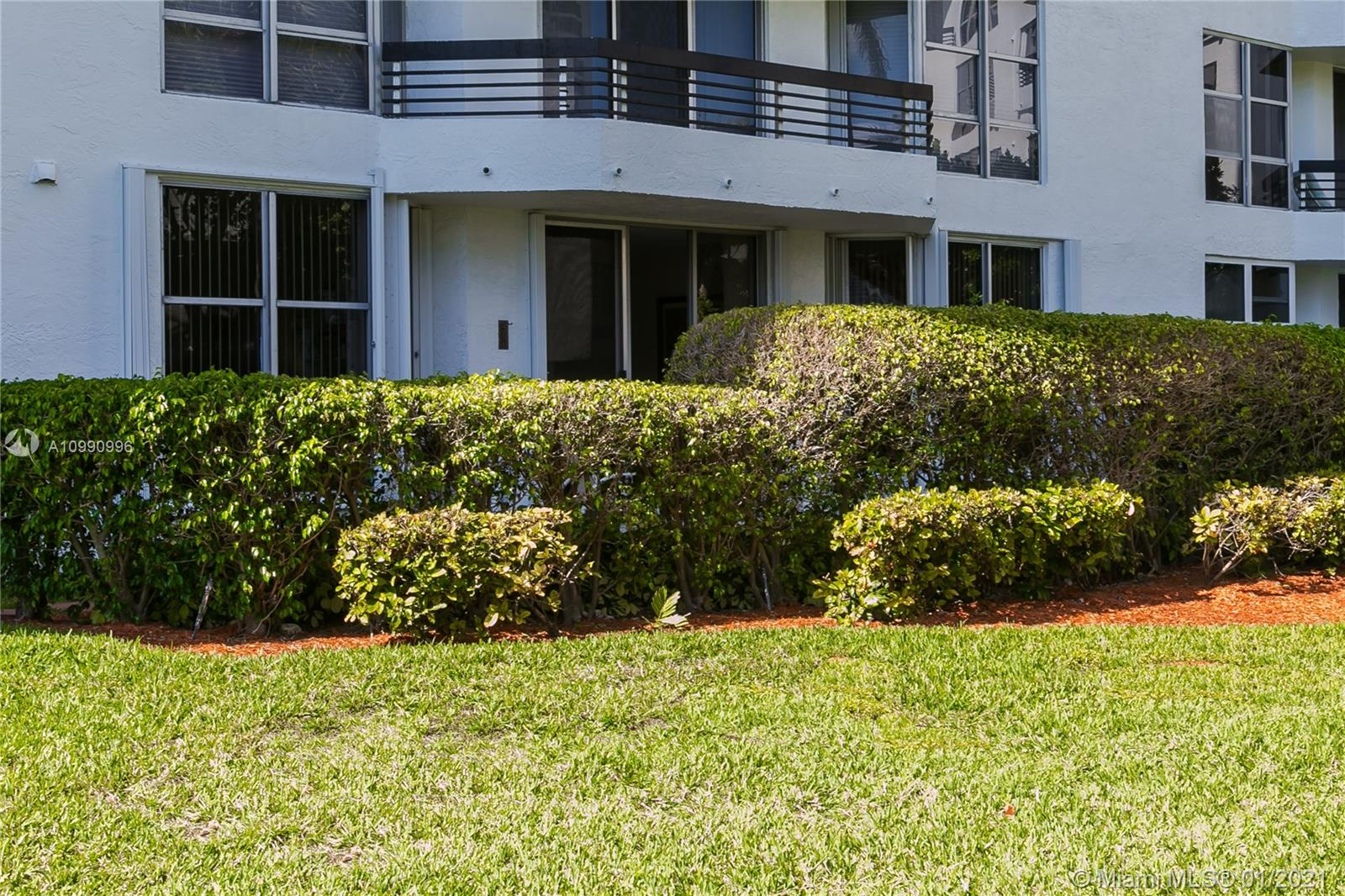 Photo of 3600 Mystic Pointe Dr #117, Aventura, Florida, 33180 -