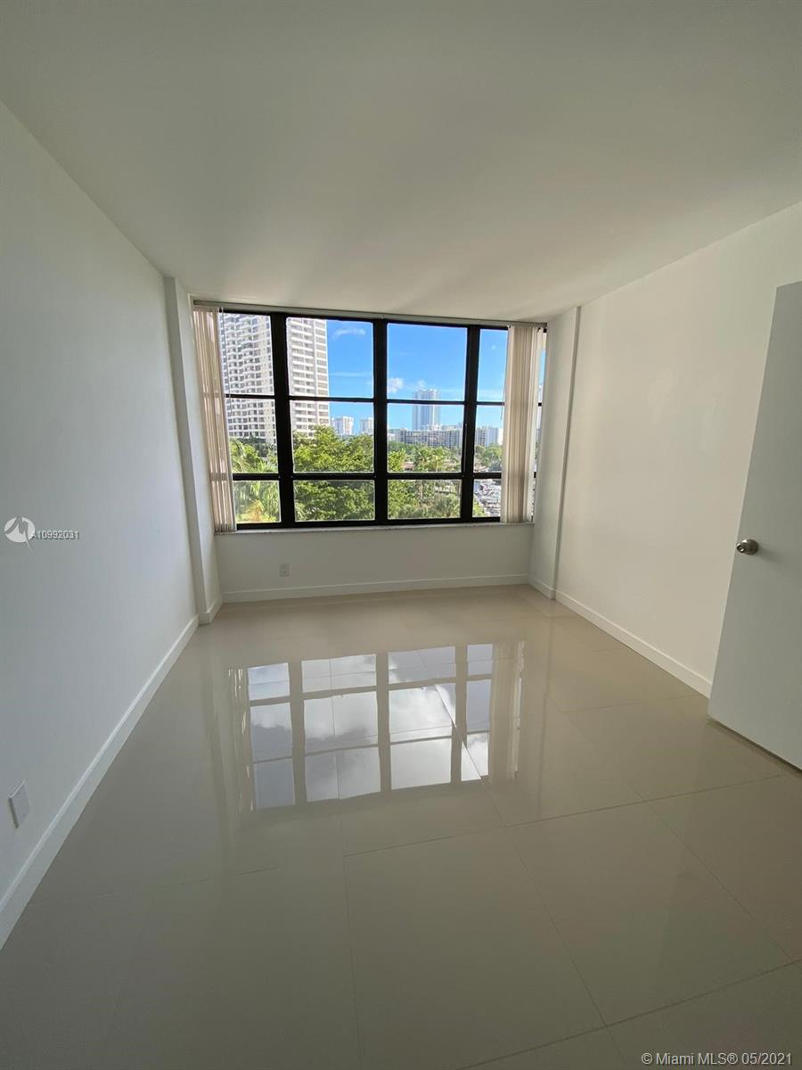 Photo of 500 Three Islands Blvd #223, Hallandale Beach, Florida, 33009 - Master Bath
