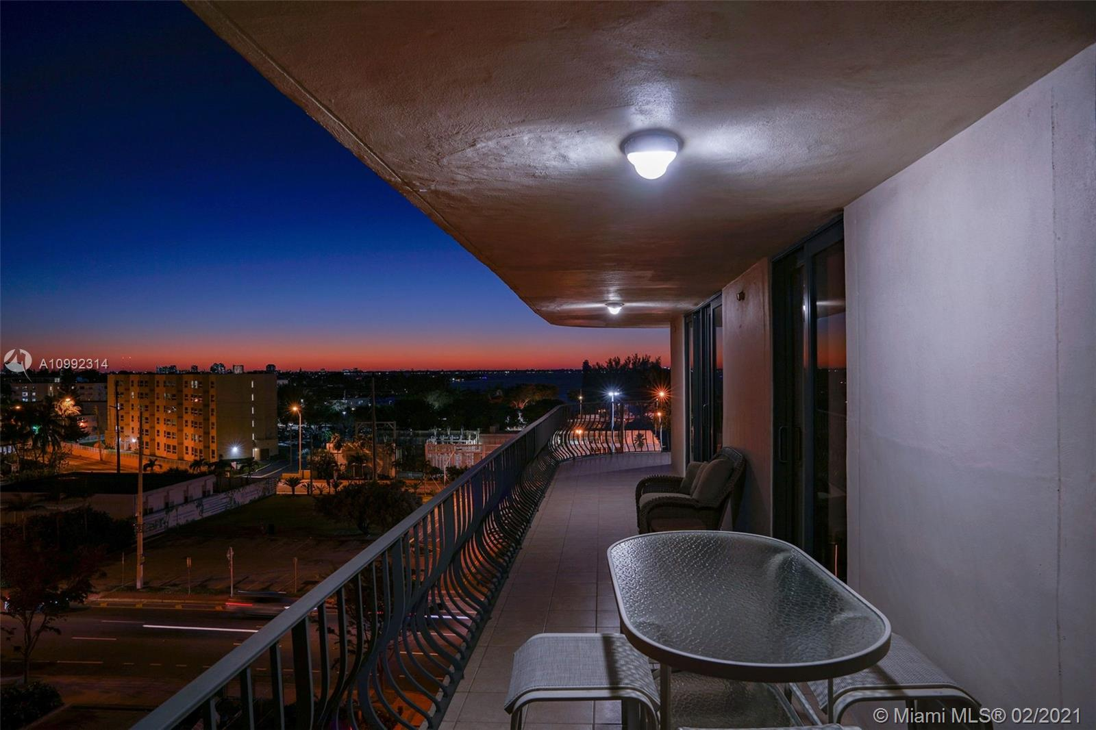 Photo of 8777 Collins Ave #608, Surfside, Florida, 33154 -