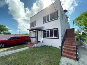 468 700$ - Miami-Dade County,Miami; 2626 sq. ft.