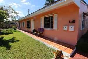 420 000$ - Broward County,Hallandale Beach; 1699 sq. ft.