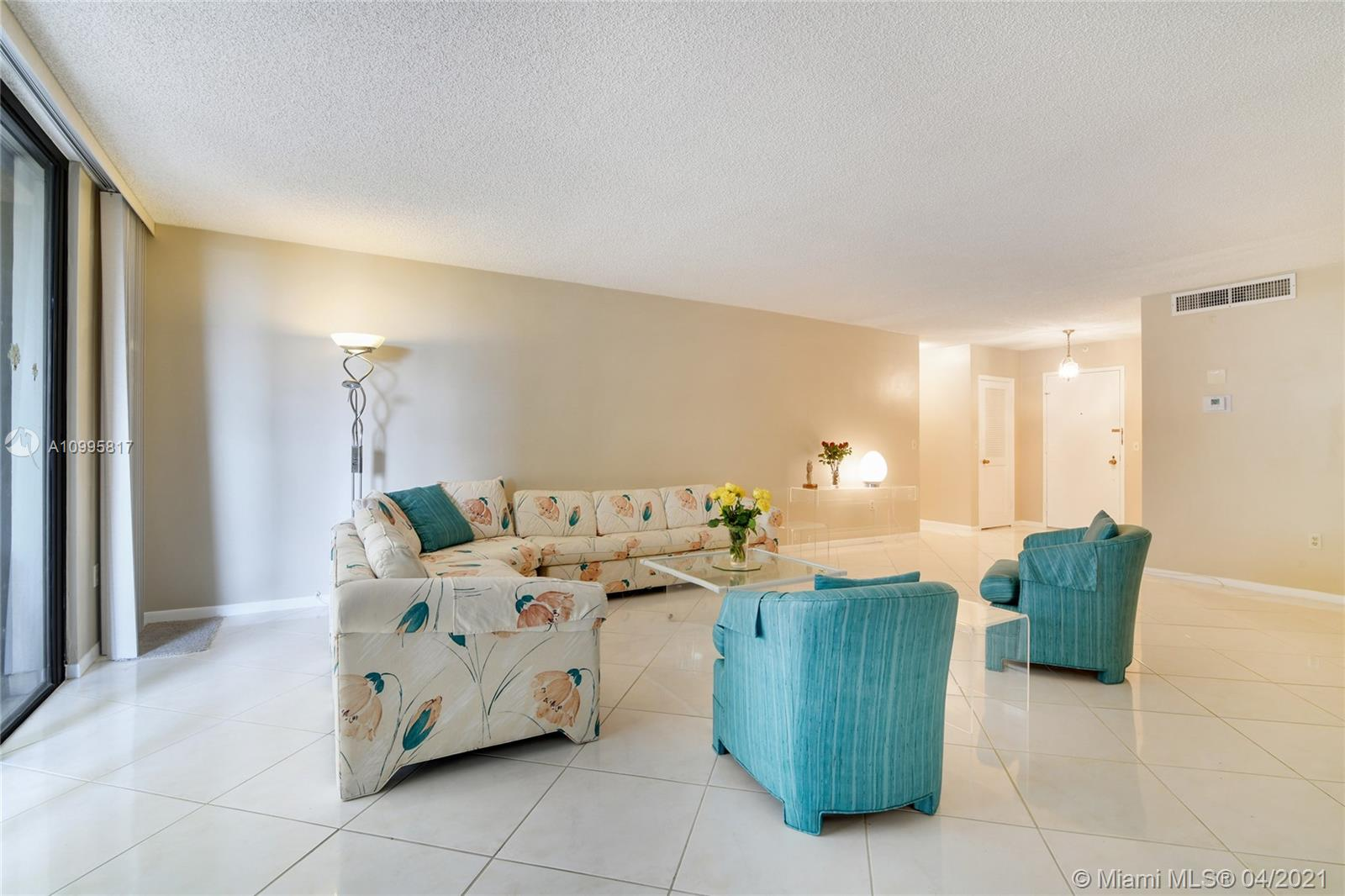 Photo of 9801 Collins Ave #5H, Bal Harbour, Florida, 33154 - Picture from the Entrance door