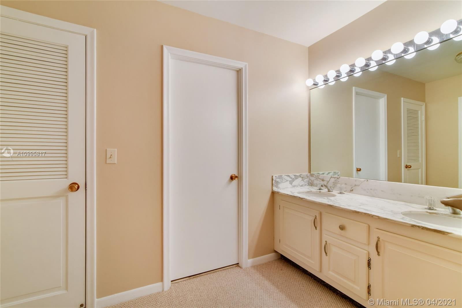 Photo of 9801 Collins Ave #5H, Bal Harbour, Florida, 33154 - Large master bedroom