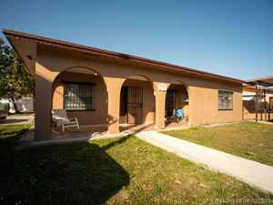 790 000$ - Miami-Dade County,Hialeah; 4679 sq. ft.