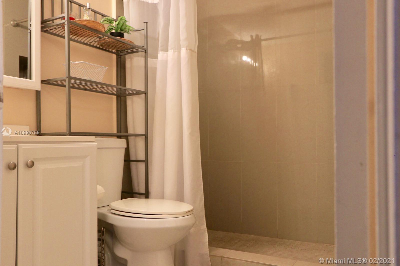 /  1370 sq. ft. $ 2021-02-09 0 Photo