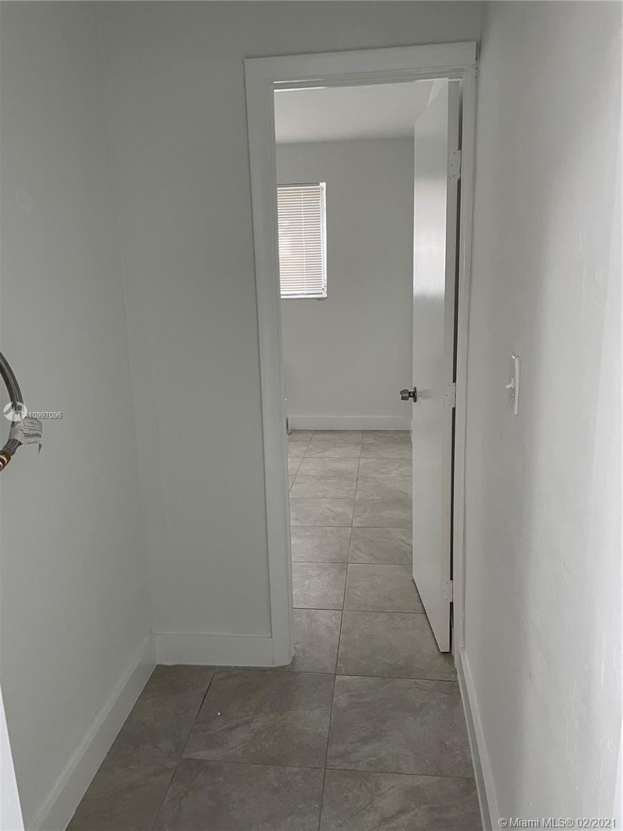 /  5676 sq. ft. $ 2021-03-01 0 Photo