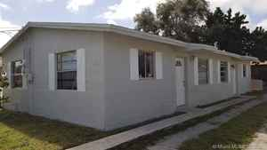 430 000$ - Broward County,Dania Beach; 1449 sq. ft.