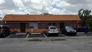 400 000$ - Broward County,North Lauderdale; 2880 sq. ft.