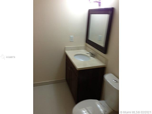 Photo of 500 THREE ISLANDS BL #714, Hallandale Beach, Florida, 33009 - Bathroom