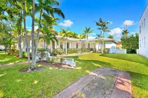 1 075 000$ - Miami-Dade County,Coral Gables; 2635 sq. ft.