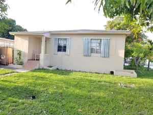 329 900$ - Miami-Dade County,Hialeah; 1719 sq. ft.